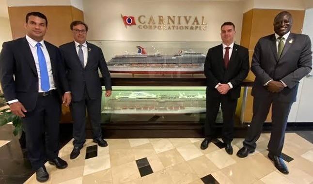 Bolsonaro visita Las Vegas e pede a regularização dos cassinos no Brasil