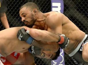 Roan Carneiro vs Kenny Robertson (UFC – 18 de Setembro 2016)