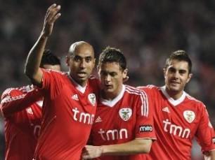 "Liga Portuguesa: Benfica passeia; FC Porto ""emperra""..."