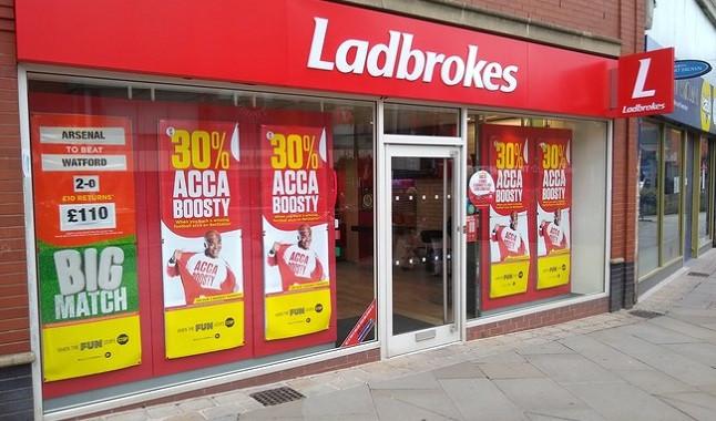 Casa de apuestas Ladbrokes recibe advertencia por publicidad