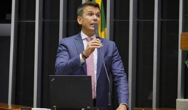 """""""Chegou a hora de acabar com a hipocrisia"""" defende deputado sobre os Jogos"""