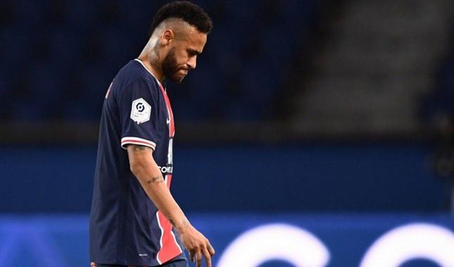 Com Neymar apenas em 9º, jornal inglês divulga os melhores do mundo