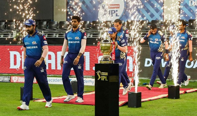 Two people were arrested for illegal betting in the Indian Premier League