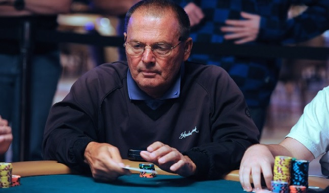 Estrella del póquer: Dewey Tomko