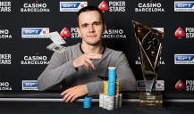 Estrella del póquer: Mikita Badziakouski