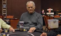 Estrella del póquer: T.J. Cloutier
