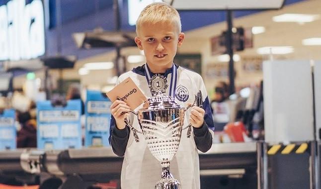 FIFA 21: Anders Vejrgang ya goleó al campeón mundial