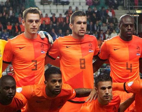 A Holanda de Roben, Sneijder e Robin van Persie para o Mundial 2014