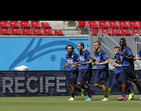Itália vs Costa Rica: experiência contra surpresa em busca do apuramento