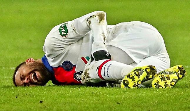 Neymar sofre nova lesão e desfalca PSG na Champions League