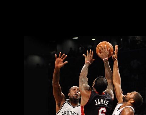 Esta equipa está a marcar da linha de 4 pontos no regresso da NBA